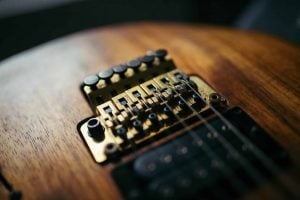Step By Step Guide To Setup an Electric Guitar